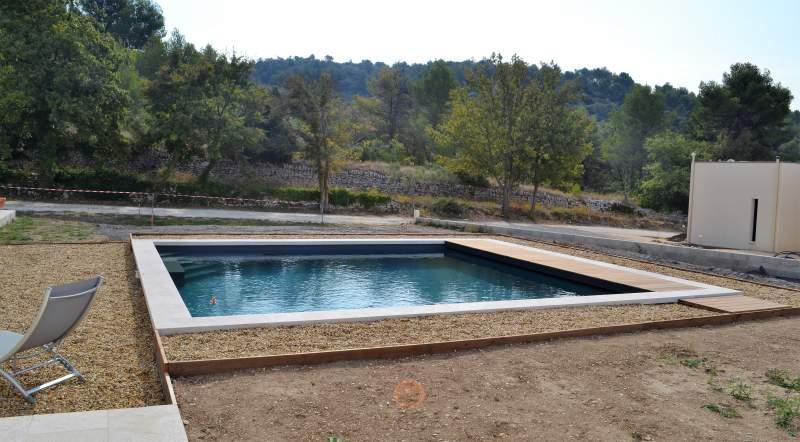 R alisations de piscines traditionnelles en b ton dans le for Constructeur piscine vaucluse