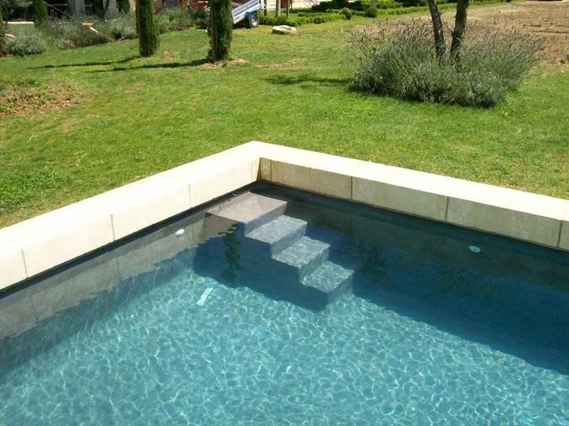 constructeur de piscine haut de gamme isle sur la sorgue inter piscine. Black Bedroom Furniture Sets. Home Design Ideas